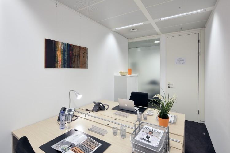 Kantoorruimte: Gaston Crommenlaan 4  in Gent