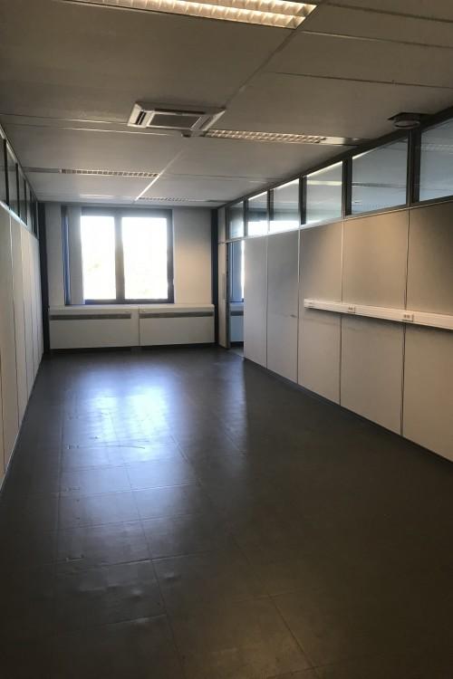 Kantoorruimte: Van kerckhovenstraat 117 in Bornem