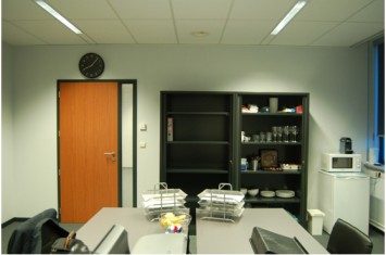 Industrieel kantoor anton philipsweg 4, Lommel
